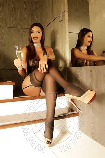 Camilla Kardashian  MILANO 3248641059